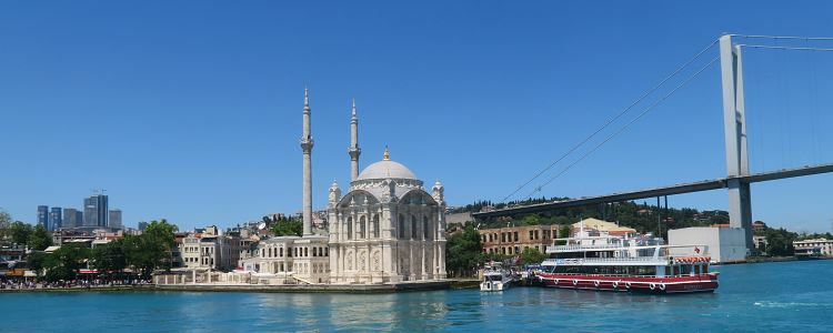 Ortaköy Moschee in Istanbul.